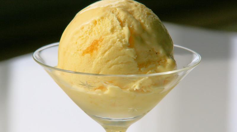 Mango-Joghurt Glace