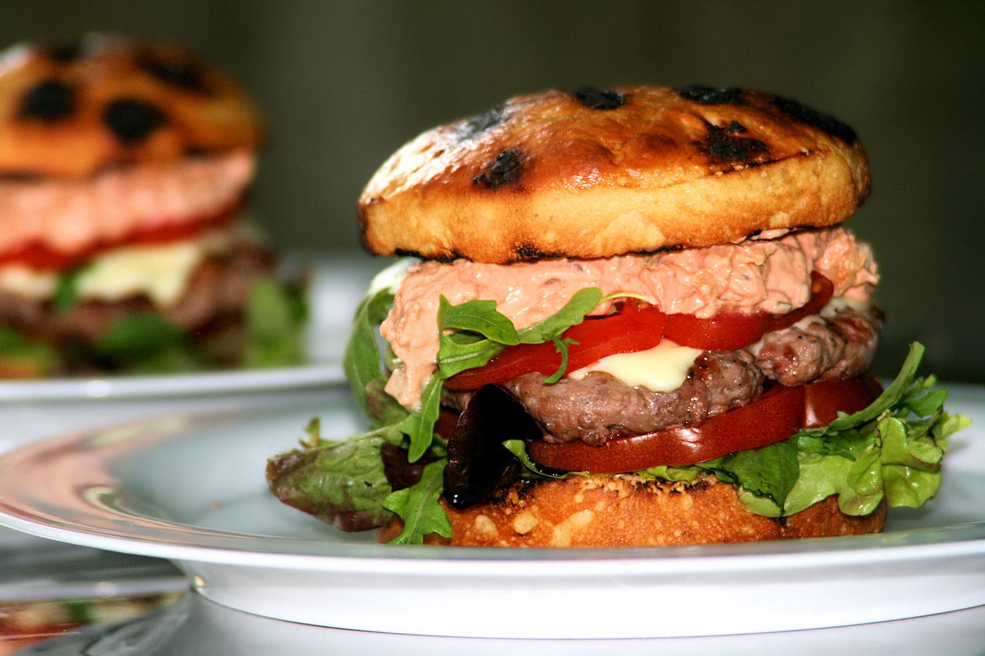 burger selber machen mein ultimatives burger rezept backen und kochen. Black Bedroom Furniture Sets. Home Design Ideas