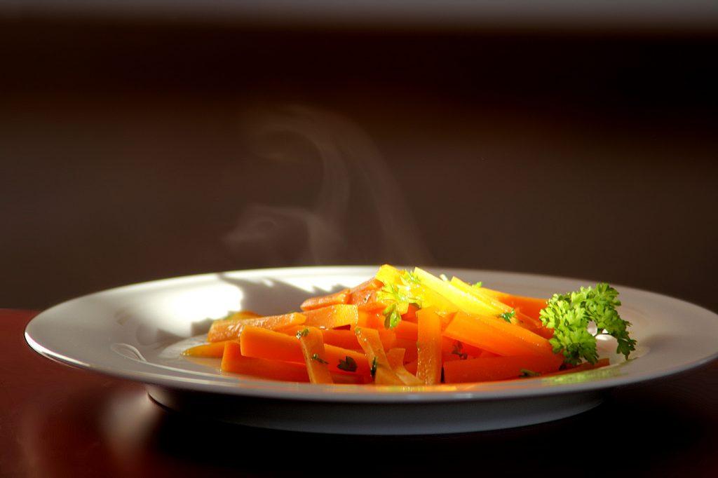 Karotten gem se mit orange und petersilie backen und kochen - Karotten kochen ...