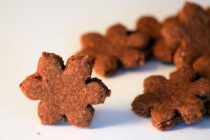 Weihnachtsguetsli mit Schokolade