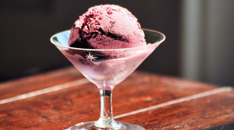Blaubeer-Joghurt-Glace